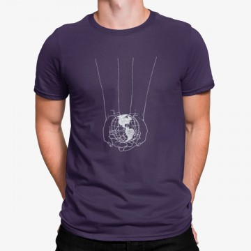 Camiseta Planeta Tierra en Manos